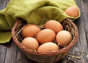 Người bị mỡ máu có nên ăn trứng?